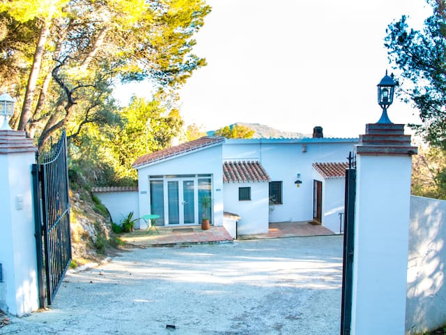 Secluded Private Mountain Oasis, Pool & Sea View! - Cómpeta - Villa