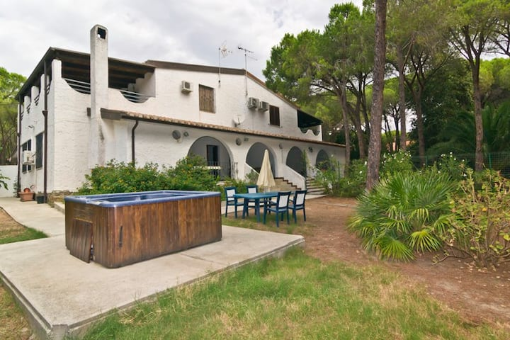 Villa con giardino e jacuzzi 6posti