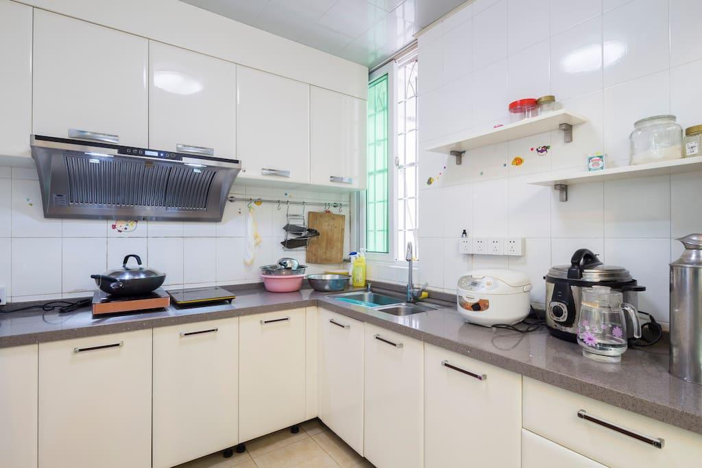 厨房在一楼,允许简单煮