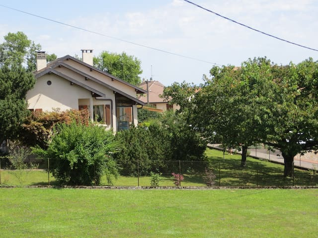 Detached House in Thoiry - Thoiry - Talo