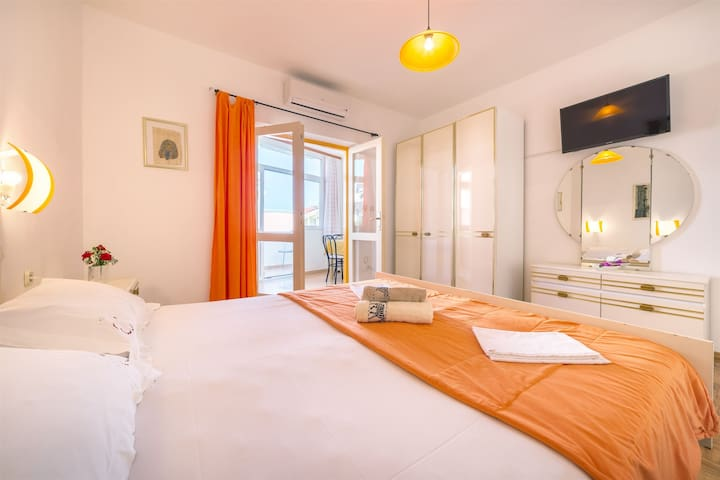 Studio Apartment, seaside in Vodice, Balcony