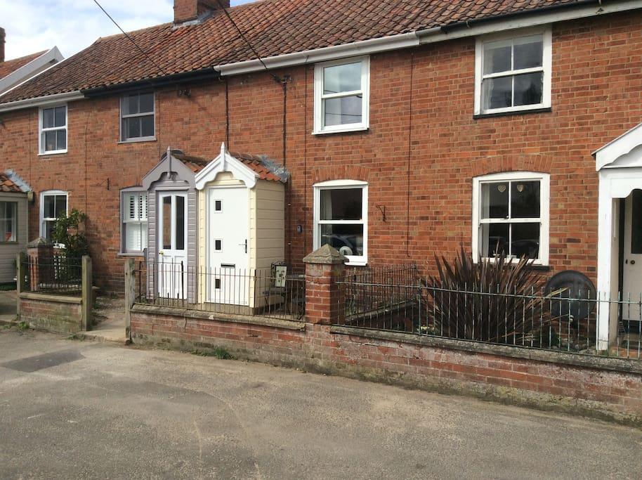 5,Burrells Cottage