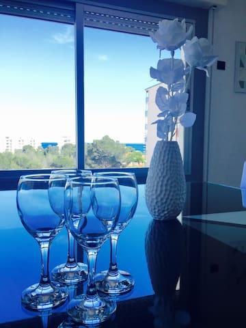 TRES BEL APPARTEMENT EN PLEIN CENTRE VILLE VUE MER - Miami Platja - Appartement