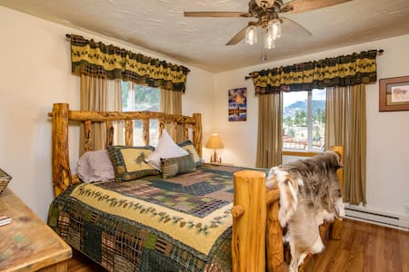 Beautiful Cabin w/HotTub-Minutes to EstesPark-RMNP