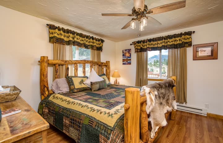 Beautiful Cabin w/HotTub-Minutes to EstesPark-RMNP