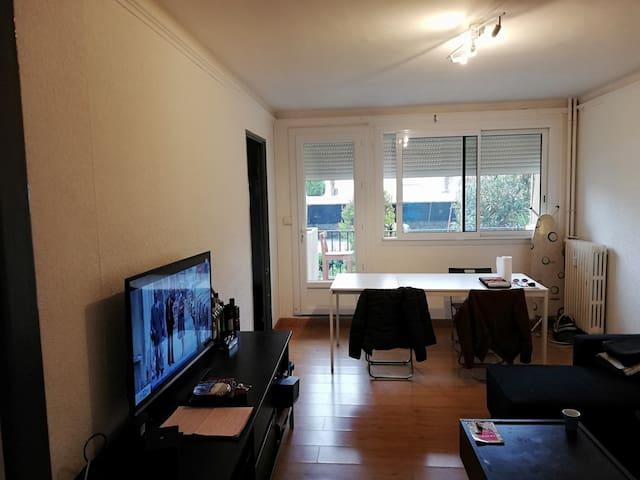 appartement dans une résidence calme et sécurisé.
