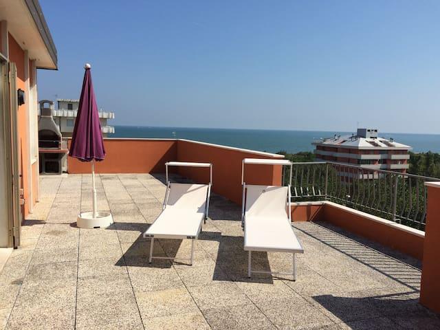 Dachterrassenwohnung am Strand mit grandiosem Meerblick und Panoramaausicht 360 Grad
