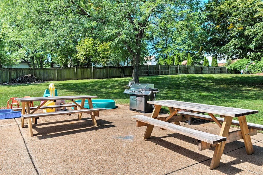 Grill up some barbecue and settle down on the outdoor picnic tables.