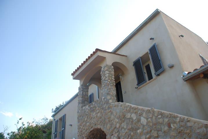Casa vacanza in prestigioso casale storico. - Gerace