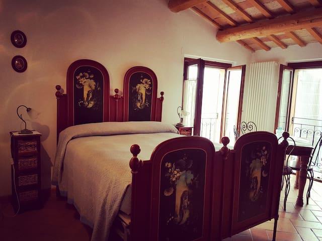 Farm-house Santa Maria del Gallo, app. Primavera - Apiro - Daire