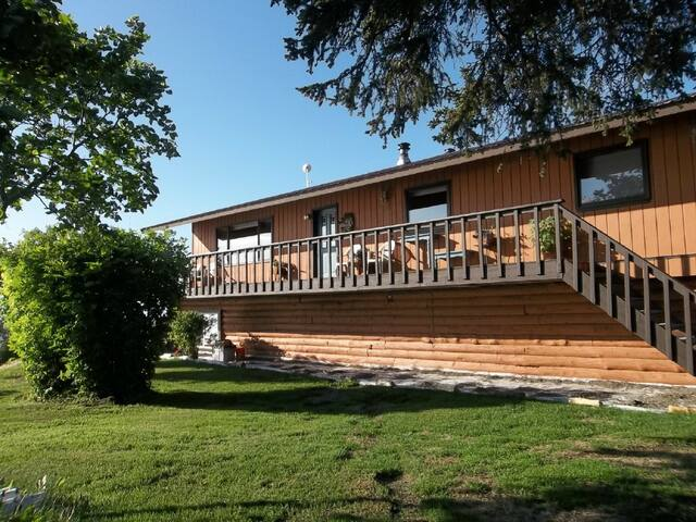 Top of the Rock Lodge, room rentals - Anchor Point - House
