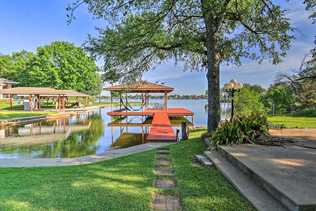 With a private boat dock and slip, a day on the lake is effortless!