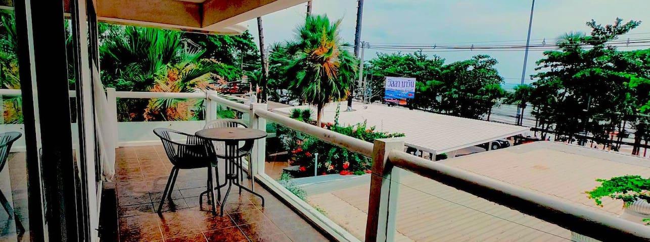 Beach Front Paradise, Jomtien Beach, Pattaya City