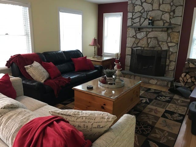 Ski House - Lake House