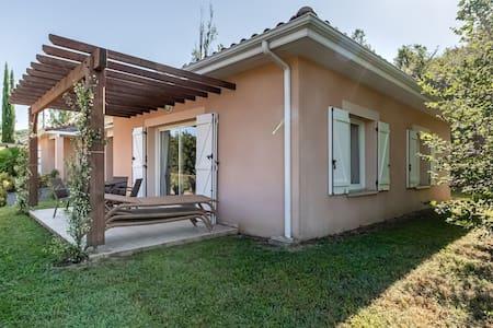 Ravishing Villa in Masseube with Swimming Pool