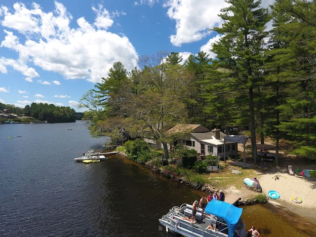 Your very own Lake House directly on Beach Pond!