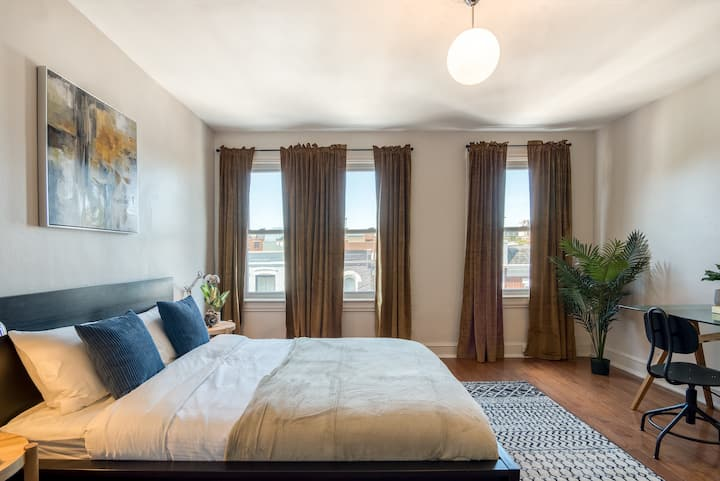 Furnished Room in Large Shaw Home with Amenities