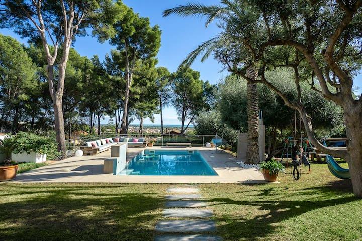 Chill out at Villa Bellavista