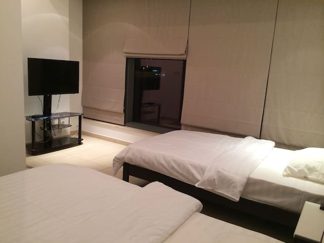 Twin Beds Room (Restroom Attached) - Dubaj - Apartament