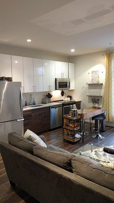 Living space, kitchen