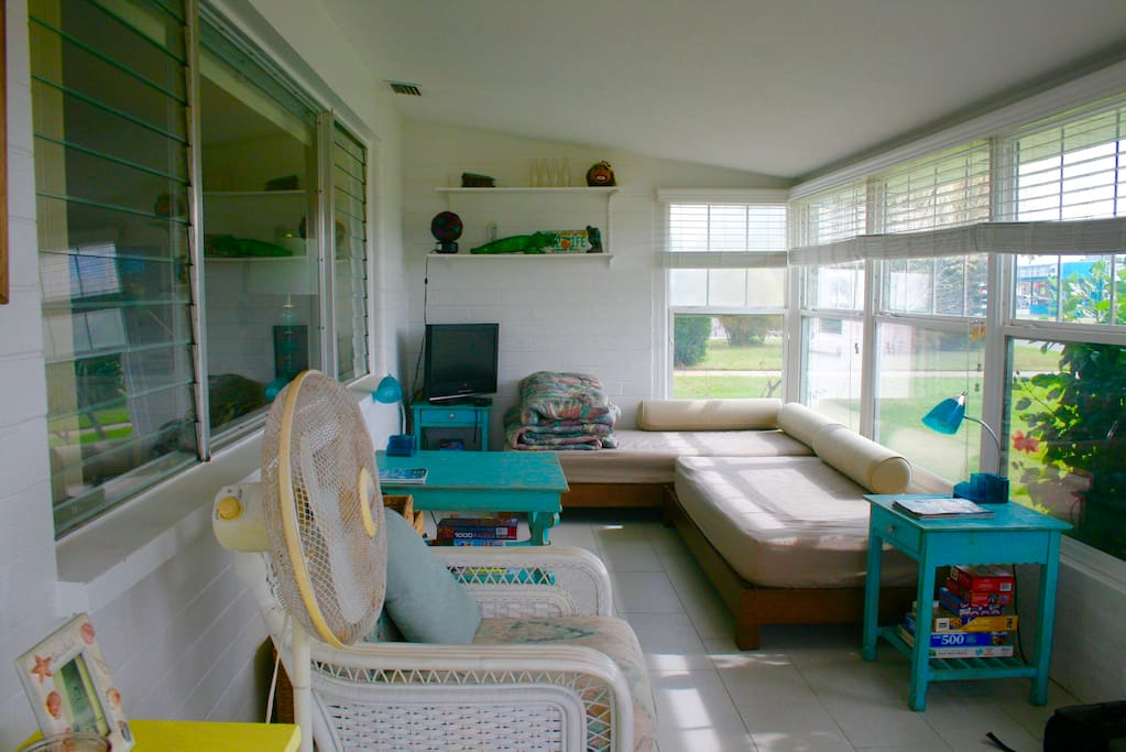Florida Room with Two Daybeds
