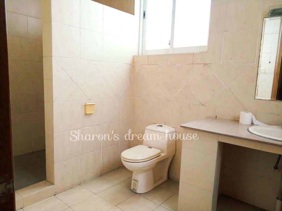 淋浴间隔墙分割
