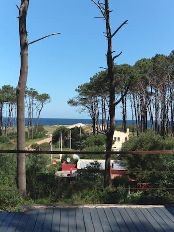 Preciosa casa a 50 mts de la playa!! Relax total.