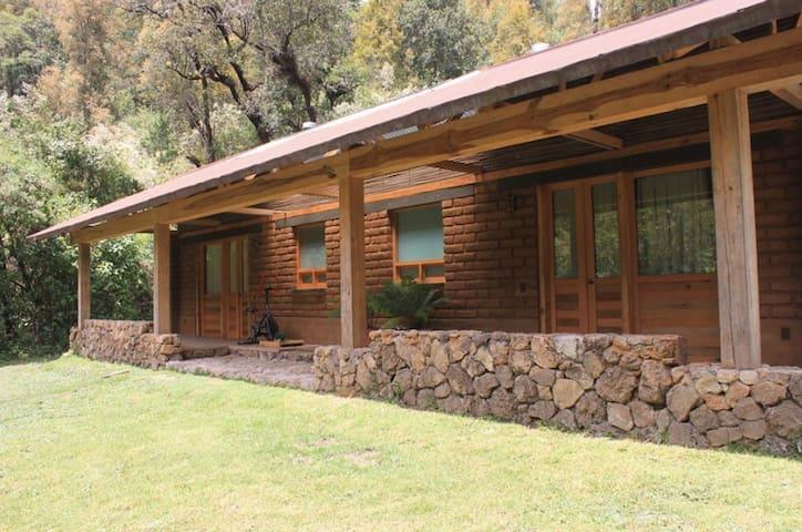 Cabañas ecológicas en medio del bosque - Valle de Bravo - Cabaña en la naturaleza