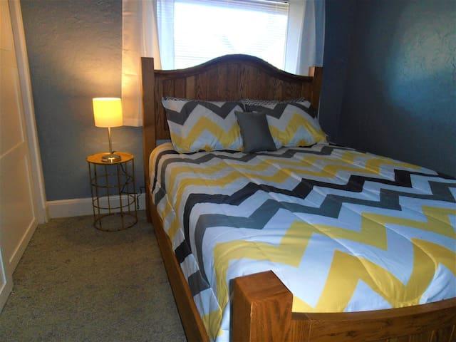 bedroom number 1 main floor Queen Bed