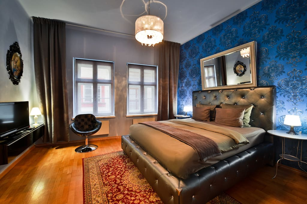 Bedroom with the view of Malostranska alley