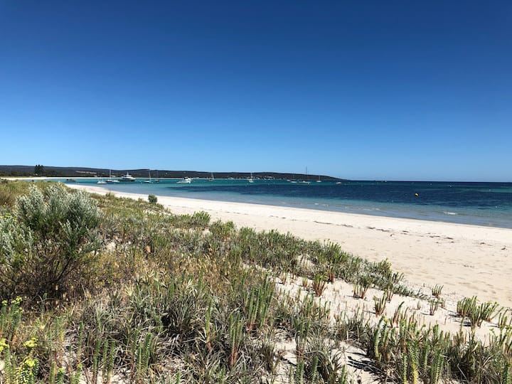 Stones Throw to Beach-Dunsborough-Quindalup Beach