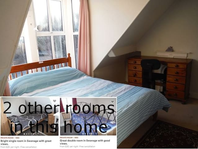 Bright double room in Swanage with great views.