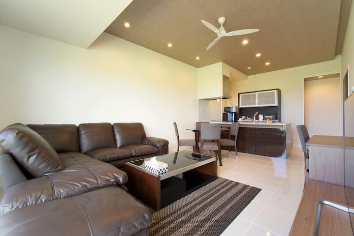 3ベッドルームの広々としたお部屋♪オーシャンビュー♪ビューバスからの眺めも最高!「ロンバケ沖縄」