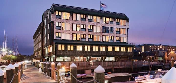 Club Wyndham inn on Long Wharf 1BR Suite