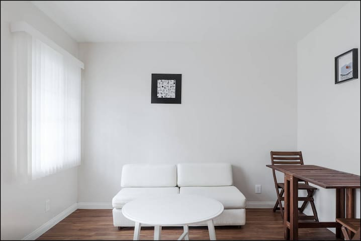 Downtown Whittier 1 BD Apt - Whittier - Departamento