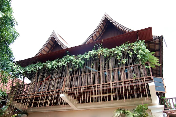 The Jungalow - Tropical Modern Simplistic Beauty - Vientiane