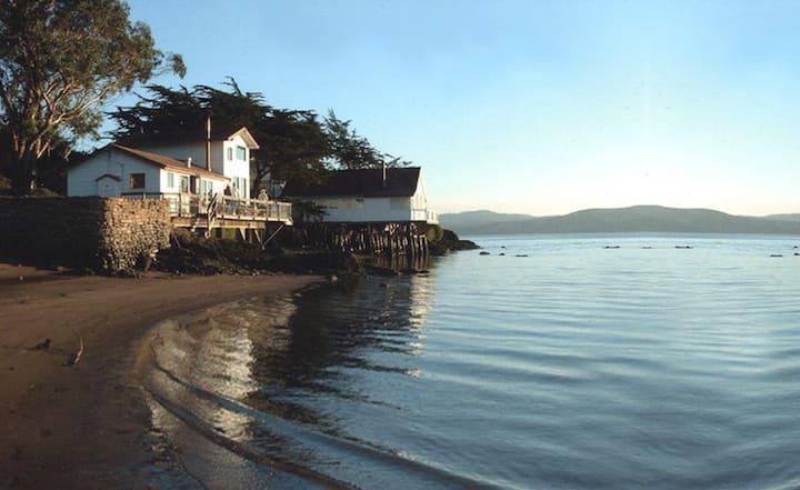Bleu Bay Beach Cottage