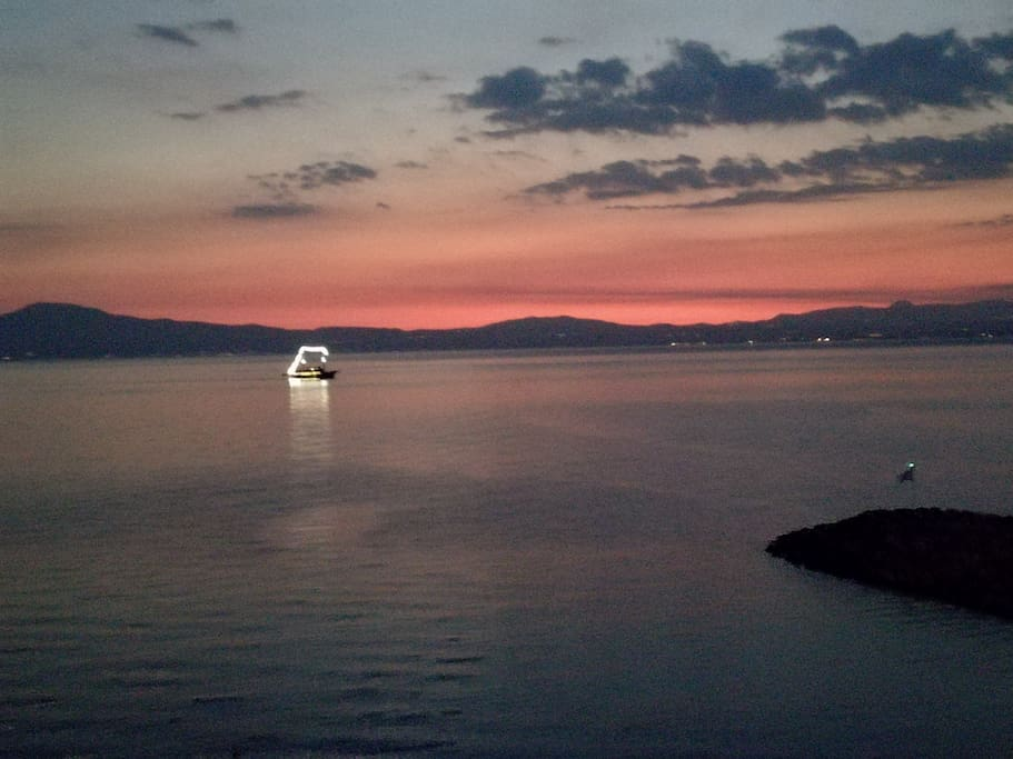 Every evening a wooden boat offers two hours tour in the messinian gulf departing kalamata's port and it's a picturesque sunset from the veranda