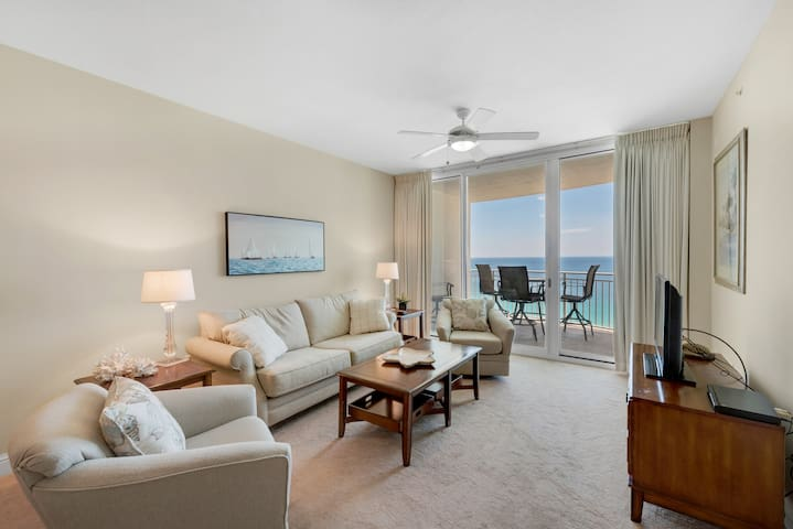 2B/2 Bath with Bonus Room Master Bedroom and Living Room Face the Gulf!
