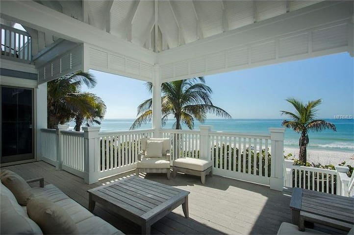 Luxury Beachfront with 365 days of sunsets