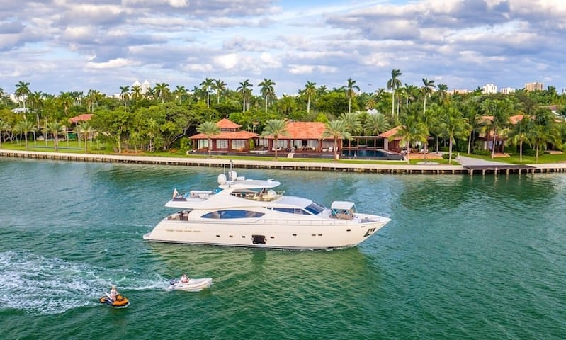 Yacht Party Rentals - 88 Ferreti!