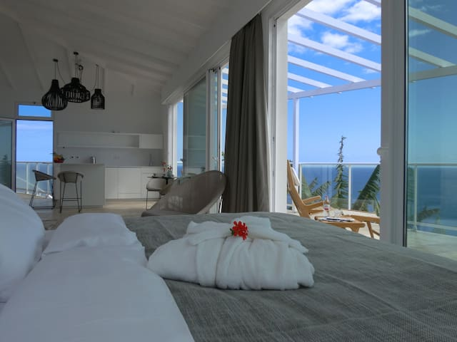 ESCARPA - Ocean View Villa