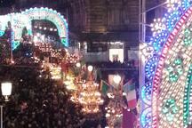 Festa di Sant'Agata: la processione delle Candelore vista dai balconi di casa