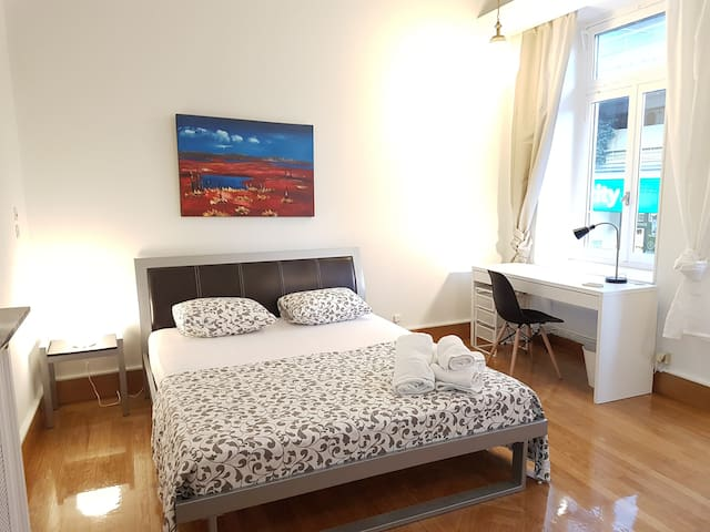Aegean Room 4