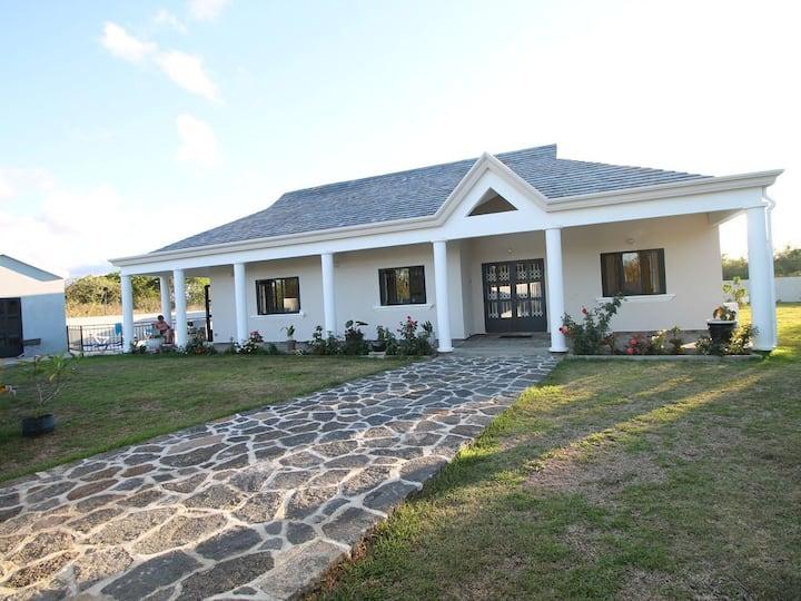 Private Villa with pool Pereybere Beach,Mauritius