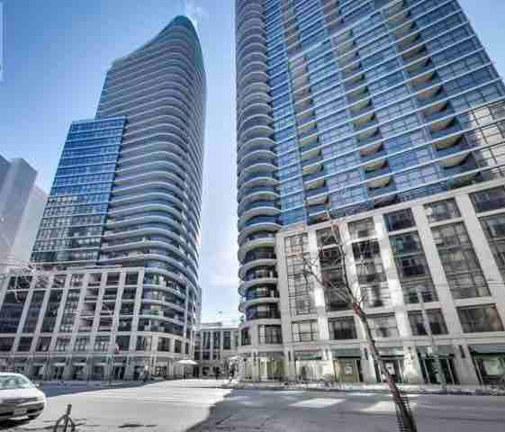 Prime Location Condo with Balcony in Downtown