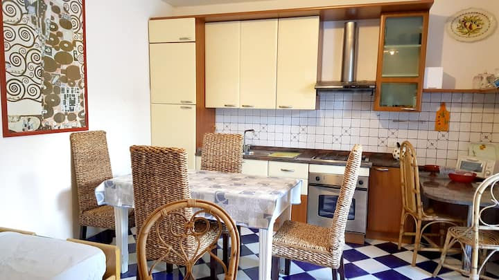 Apartment with 2 bedrooms in Salto di Fondi, with wonderful mountain view and enclosed garden - 200 m from the beach