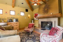 Poolhouse with fireplace, fuse ball, mini kitchen and lounging