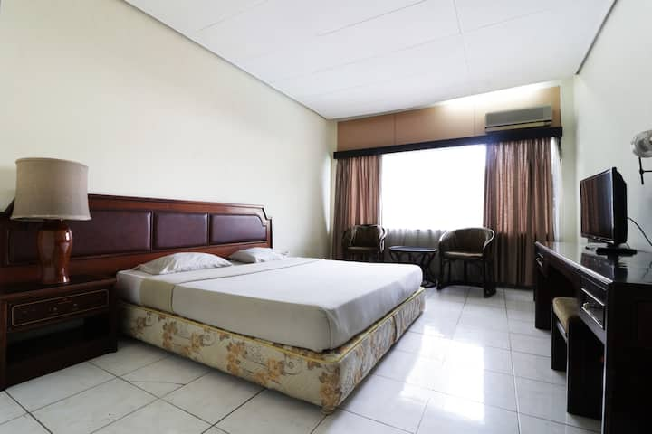 Clean Deluxe Room at Hotel Istana Bandung