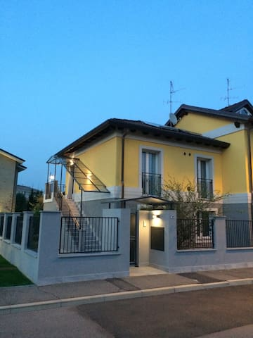 Arese-RhoFiera-Centro c.le IlCentro-015009CNI00005